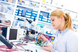 LED Arbeitsplatzleuchten sorgen für bessere Sicht